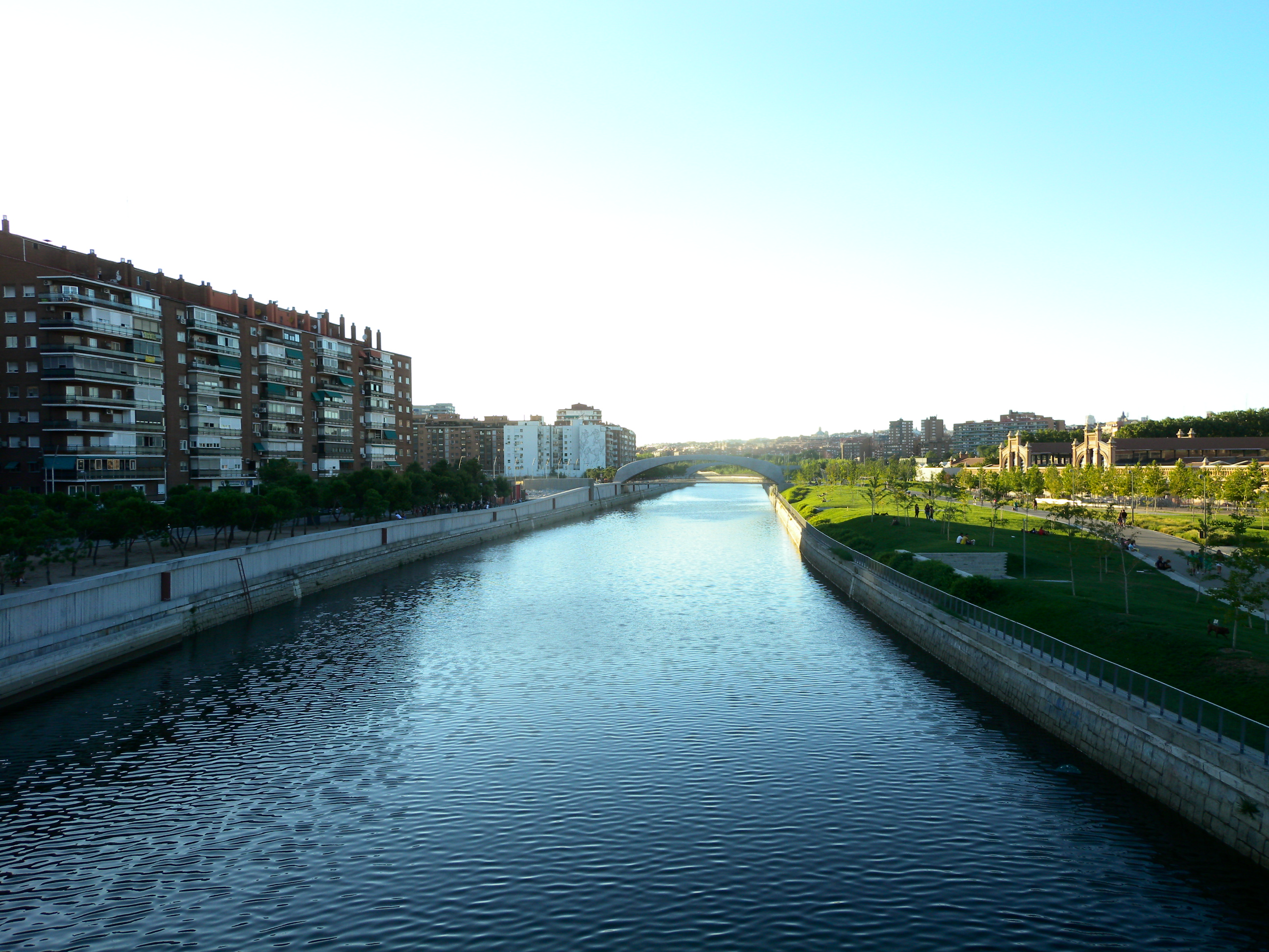 Madrid_-_Río_Manzanares_-_2013-08-08_-_2_Ricardo_Ricote_Rodríguez